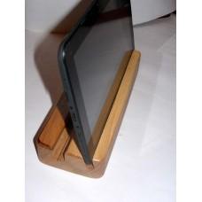 Дерев'яна підставка під планшет, смартфон, або електронну книгу (фарбування під лак)